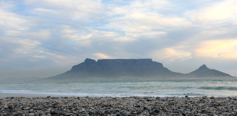 The unmistakable outline of Table Mountain