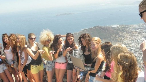 The 20 Miss Israel contestants on top of Table Mountain