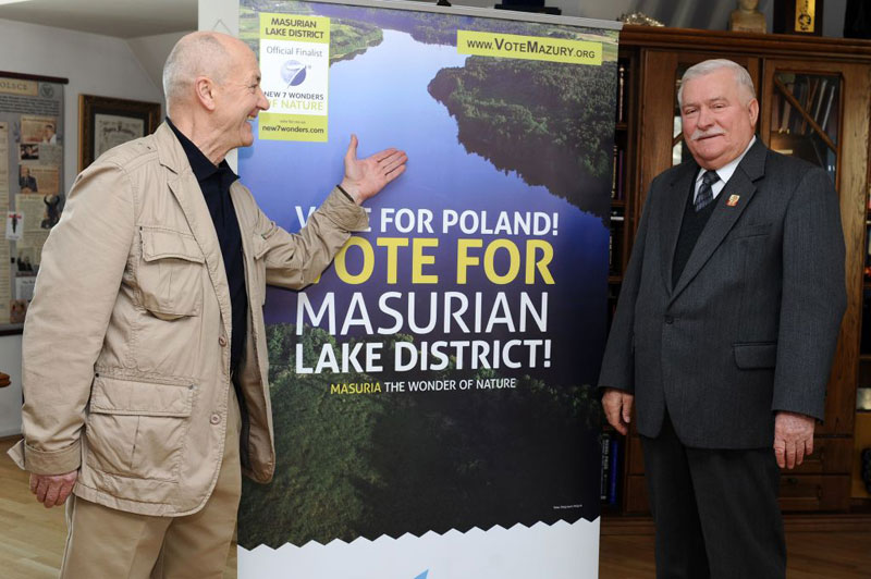 Solidarity for the Polish Finalist: Jacek Palkiewicz (left) and Lech Walesa (right)