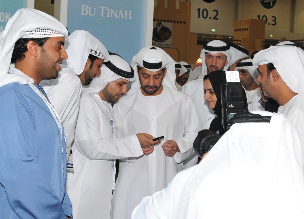His Highness Sheikh Hamdan Bin Zazed Al Nahyan gets ready to vote for Bu Tinah Island