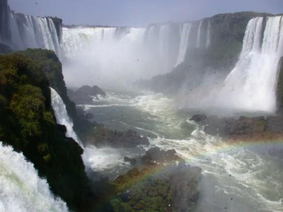 The biggest of the 275 Iguazu Falls is Garganta del Diablo (Spanish) or Garganta do Diabo (Portuguese).