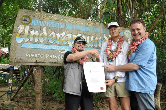 (Left to right) Puerto Princesa City Mayor Edward Hagedorn, New7Wonders President Bernard Weber, and New7Wonders Director Jean-Paul de la Fuente, at the handing over of the Official Certificate of Participation for the Puerto Princesa Subterranean River in Palawan, the Philippines.