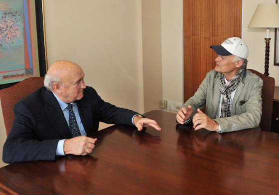 Former president of South Africa and Nobel Peace Pize winner, FW De Klerk (left) in conversation with New7Wonders Founder-President Bernard Weber