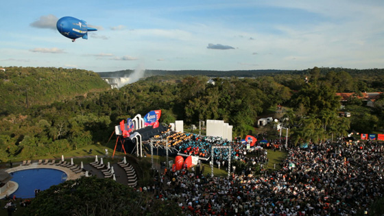 The distinctive New7Wonders blimp hovers over the inauguration ceremonies in Puerto Iguazú as it makes its way towards Iguazu Falls