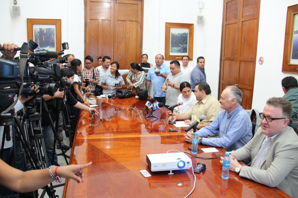 (From left to right) Dafne Lopez Martinez, Head of Cultur of the State of Yucatan; Roberto Rodríguez Asaf, Government General Secretary of the State of Yucatan; Bernard Weber, President and Founder of New7Wonders, and Jean-Paul de la Fuente, Director of New7Wonders, meeting as part of the New7Wonders VII of Chichén Itzá.