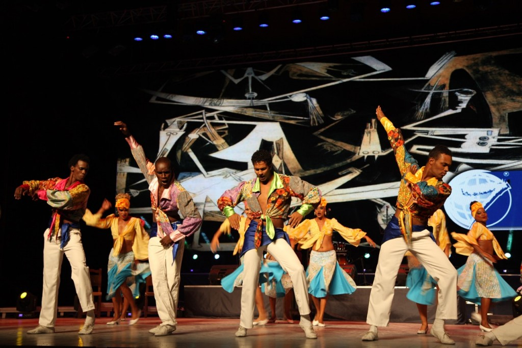 After the official ceremony, an artistic gala was held at the Alicia Alonso Gran Teatro with the Lizt Alfonso ballet company, the Habana Compas dance company, the National Folkloric Group and Pancho Amat y el Cabildo del Son